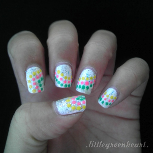 polka-dot-nails-1
