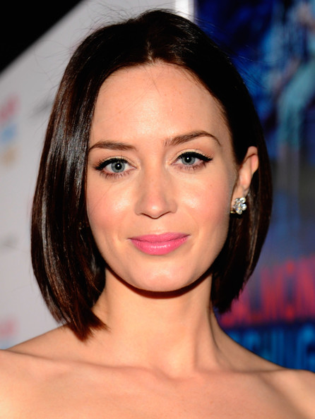 Emily-Blunt-Baby-pink-lipstick